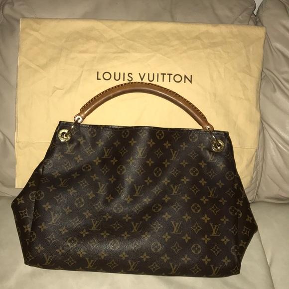 f6c8048a6a3 Louis Vuitton Handbags - AUTHENTIC LOUIS VUITTON -Artsy MM One Shoulder Bag